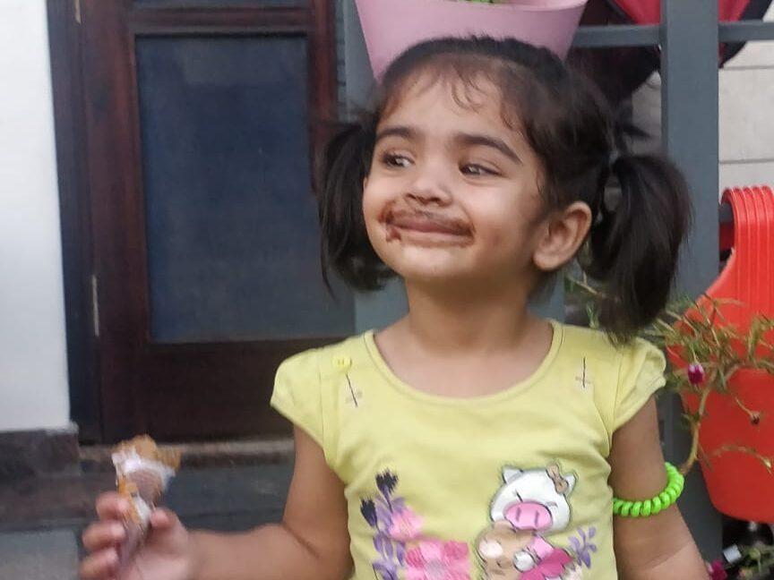 ice cream eating kid